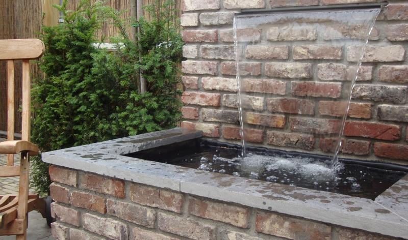 Rene meulendijks tuinrealisatie deurne for Waterpartij in de tuin