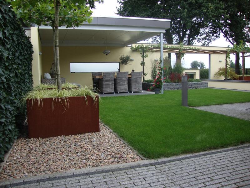 Tuin met gras beautiful welke soorten gras kunnen er in for Vierkante vijver maken